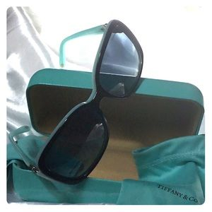 TIFFANY & COMPANY MADE IN ITALY 🇮🇹 SUNGLASSES